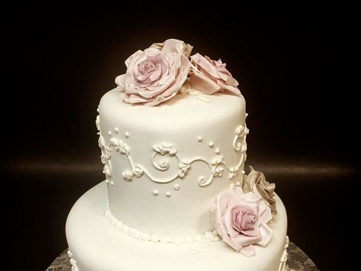 Tmx 1536184308 11f85c65346bc380 1536184307 F325de4da73f618f 1536184308048 1 Allison Wedding Ca Glastonbury, CT wedding cake