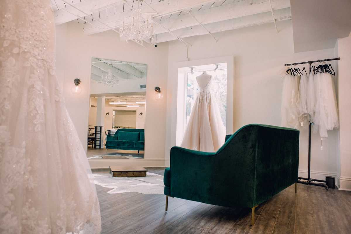 Vocelles | The Bridal Shoppe