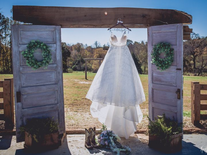 Tmx 45491598 1070609109783104 8405185250912632832 O 51 1028005 Statesville, NC wedding planner