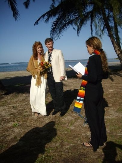 Intimate beach wedding for two (and a couple of witnesses)