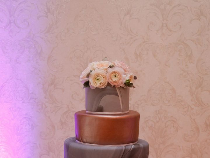 Tmx 1513953293230 Ss 333 Cropped North Branford, Connecticut wedding cake