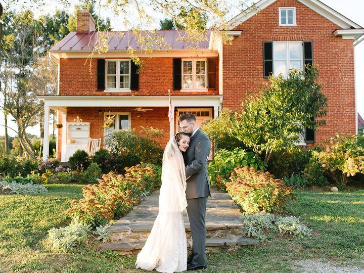 Tmx Gallery Kelly And John Wedding 625 51 660105 Round Hill, VA wedding venue