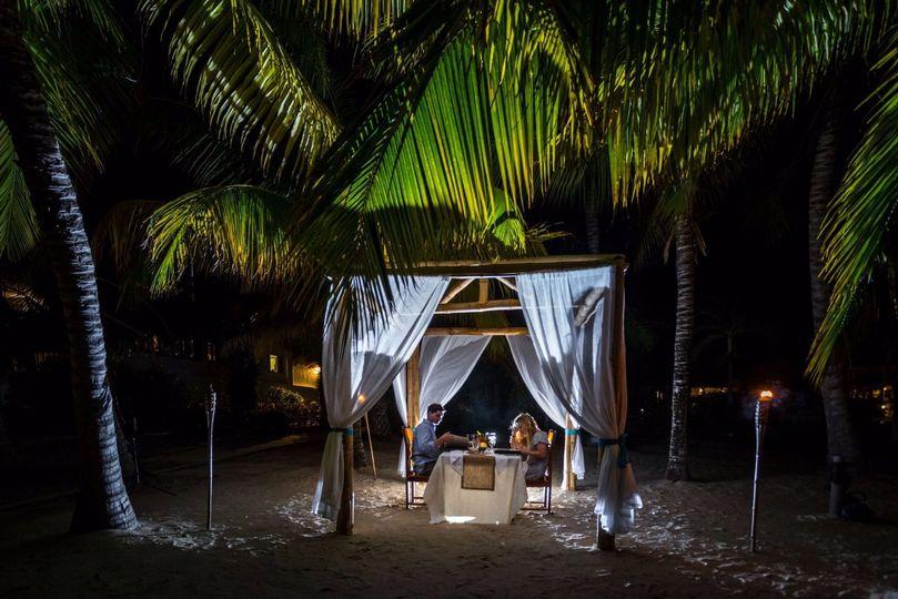 Romantic private dining