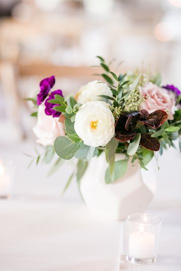 Mixed flower centerpiece