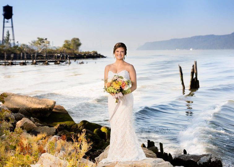 hudson river bridal portrait 51 174105 159034526191889