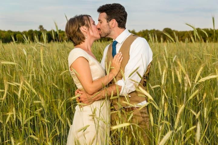 newlyweds in the field 51 174105 1573225544