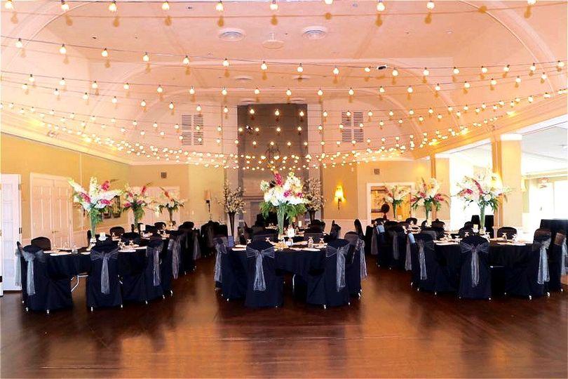 wedding black com 51 1045105 v1