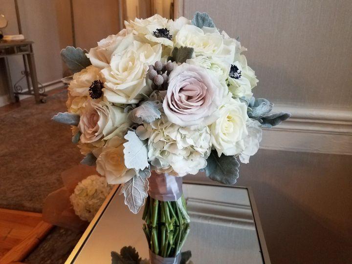 Neutral palette bouquet