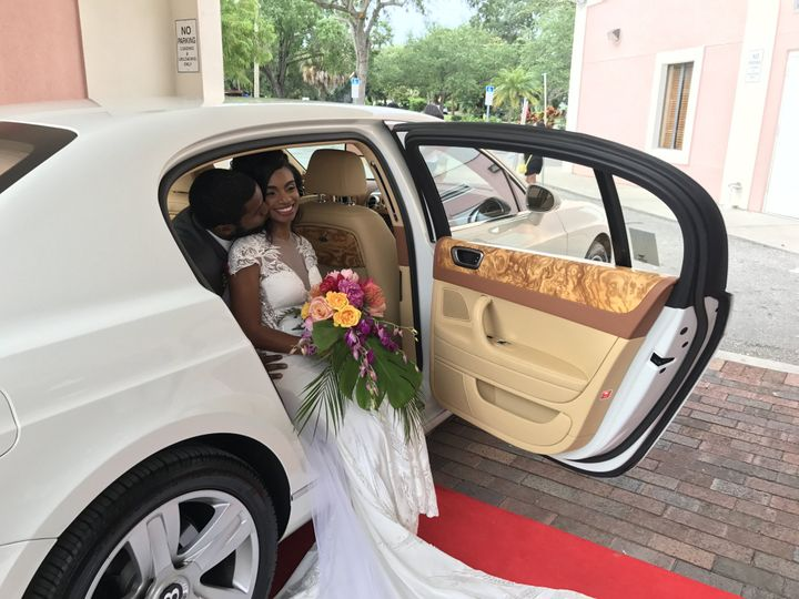 Tmx Rr Bently 5 2017 Megan L Www Ult Limo 51 1067105 1559680518 Orlando, FL wedding transportation