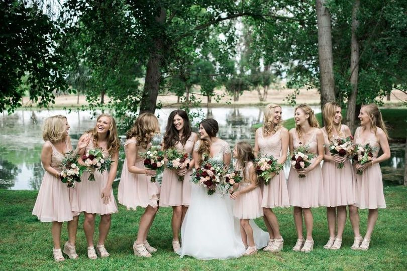 Smiles from the bridal party