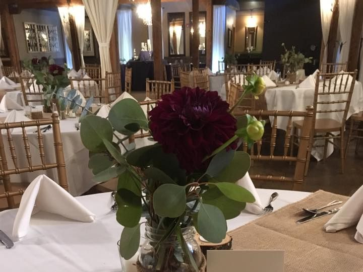 Tmx 21558015 822238947949469 8340075754440482767 N 51 1029105 Everett, Washington wedding florist