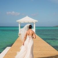 beach bride back 51 659105 1558313784