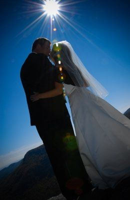 Buck and Lindy held their touching ceremony on the top of Whiteside Mountain.  It was a gorgeous day...