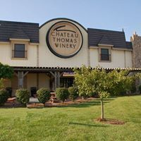 Exterior view of Chateau Thomas Winery