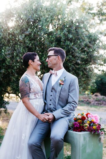 Sonoma County Backyard Wedding Photo by http://melatiphotography.com