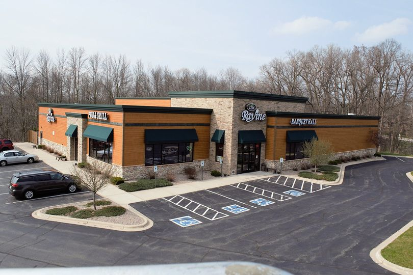 Outlook of The Ravine Pub & Grill Banquet Hall
