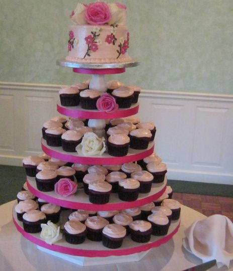 800x800 1359567560081 show; 800x800 1358199291363 img1196 ... & Cakes Unlimited - Wedding Cake - Torrington CT - WeddingWire
