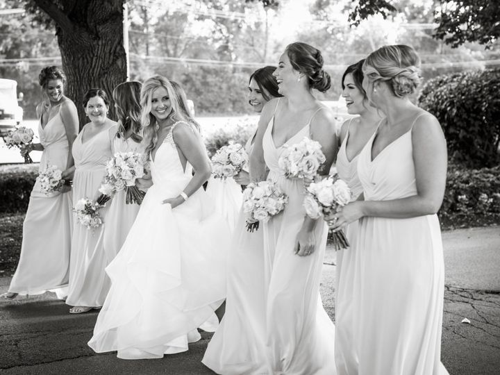 Tmx Bw Bridesmaid Walk 51 1808205 1573246521 Schaumburg, IL wedding beauty