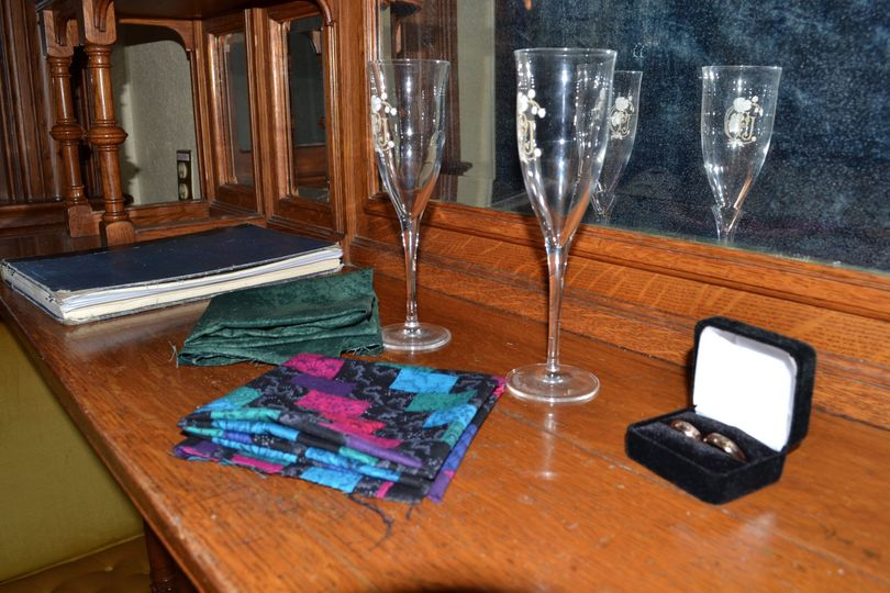 Wineglasses and rings