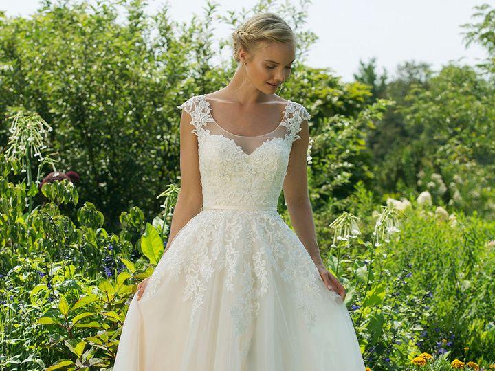 Tmx 1533670715 7036eb8e843901fa 1533670714 16bbea0c9c0eeb85 1533670714883 8 11034 Ridgetop, Tennessee wedding dress