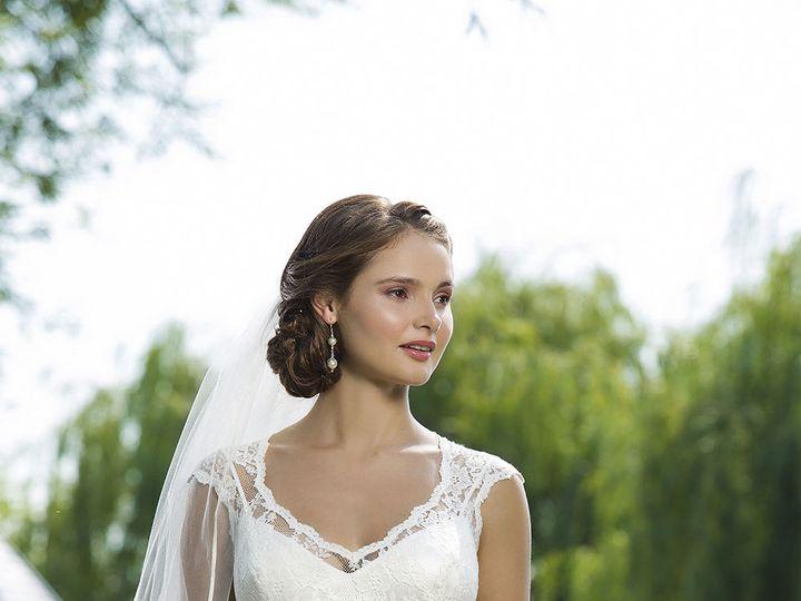 Tmx 1533671333 Ebc585336ec90ffb 1533671332 D3eb7bf6df936e22 1533671333538 3 6101 006 Ridgetop, Tennessee wedding dress
