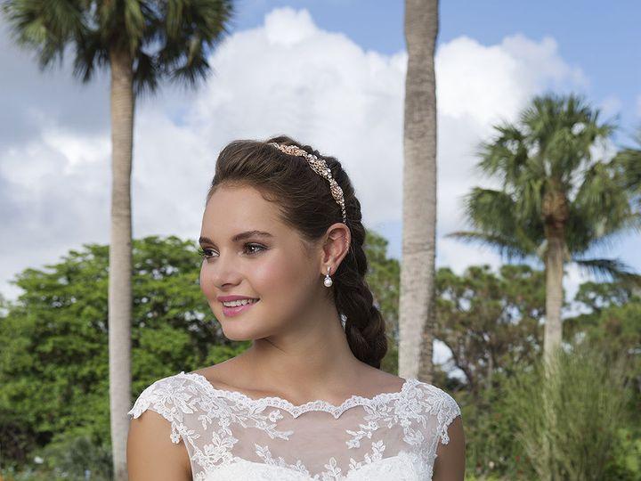 Tmx 1533671357 B86664b6a4d54eb6 1533671355 6d4c92a1c531c187 1533671356401 4 6116 059 Ridgetop, Tennessee wedding dress
