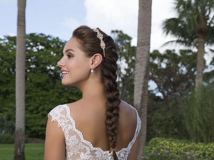 Tmx 1533671381 Cefaa6bb2ae63d04 1533671380 5eba22d22ace9701 1533671380676 5 6116 200 Ridgetop, Tennessee wedding dress