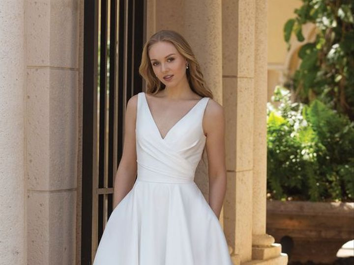 Tmx 9122f83e24c25021e42221e93303891c 51 1012305 Ridgetop, Tennessee wedding dress