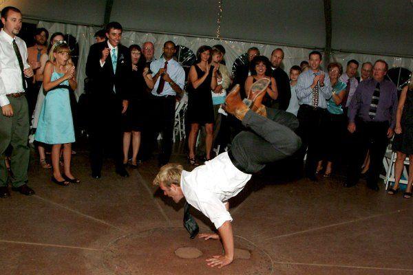 reception dancing - huge dance circle