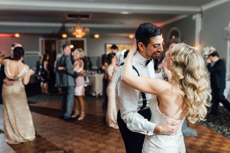 800x800 1504714156882 99 Caitlyn Ed Pen Ryn Estate Wedding Bensalem Wedd