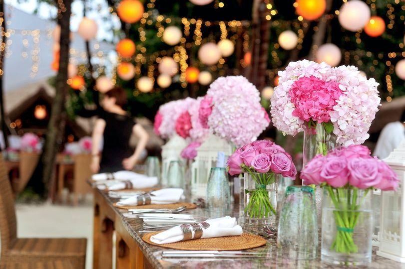 Pink table arrangements
