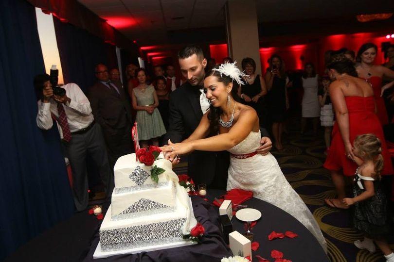 07 04 cake cutting