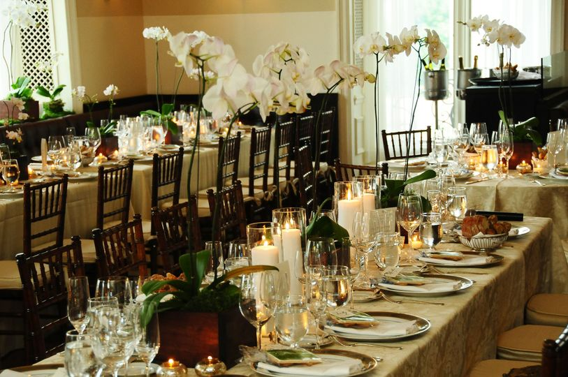 Long dining table set-up