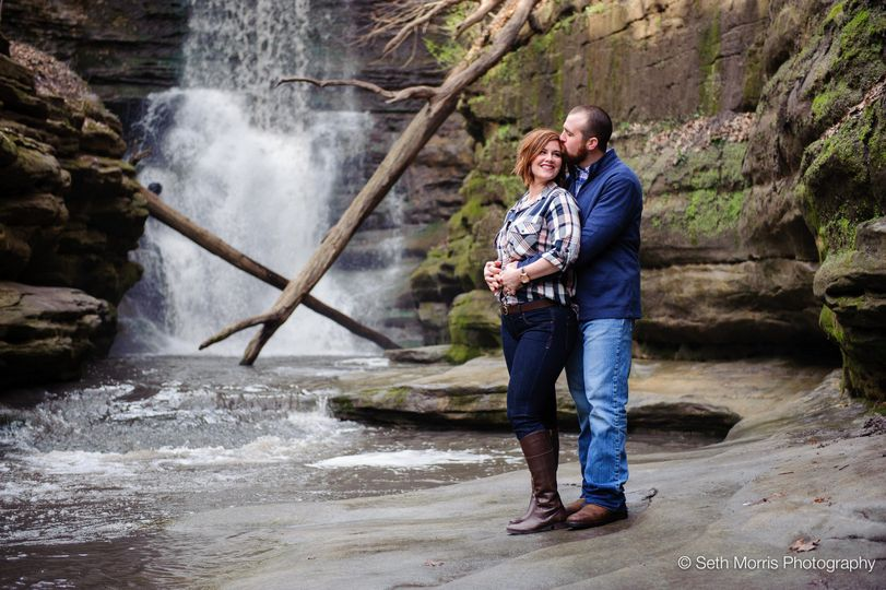 starved rock waterfal engagement pictures 2