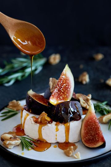 Cheese & fig with caramel