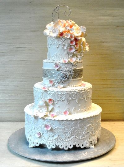 800x800 1370553093175 vintage lace wedding cake  the cake zone  florida