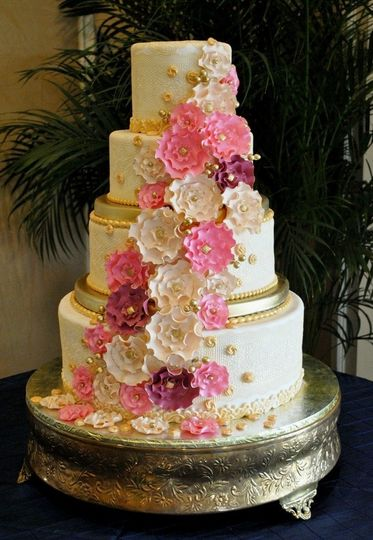 800x800 1370553097269 vintage lace wedding cake the cake zome   lakewood ranch country club  florida3