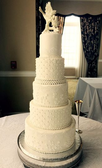 800x800 1442058608428 quiltlace weddingcake the cake zone   the don cesa