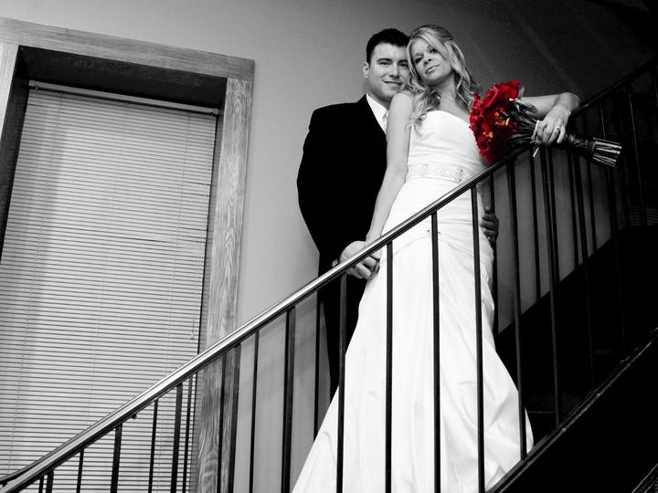 Tmx Img 6800 Edit Bw Red Bouquet 51 1862405 1565192341 Brooklyn, NY wedding photography