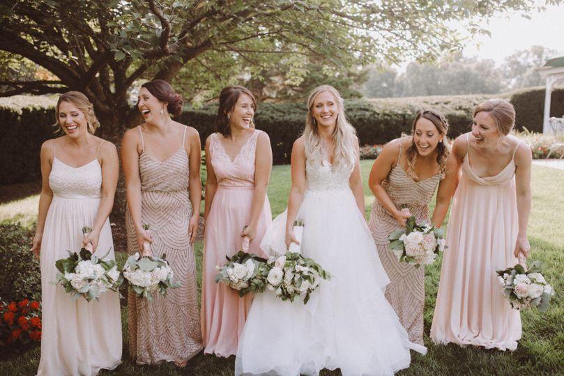 Bride and bridesmaids | L.A. Birdie Photography