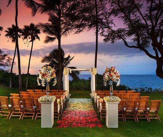 Hawaiian-destination wedding