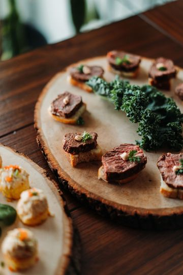 Filet of beef crostini