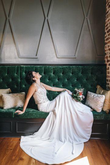 Bridal fashion, relaxed