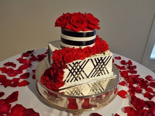 Tmx 10483851 10152300083264023 5182869276031629628 N 51 11505 V1 Poland wedding cake