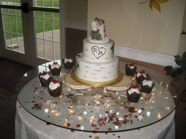 Tmx 10696242 10152521604959023 5514879394482967628 N 51 11505 Poland wedding cake