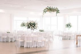 Newport Beach House: A Longwood Venue