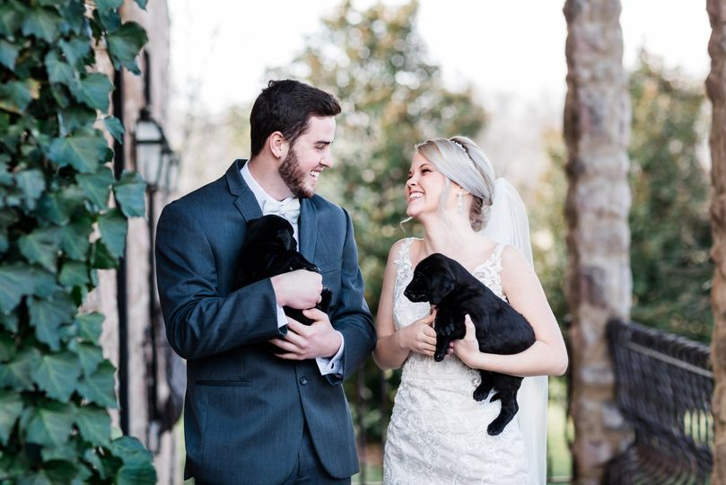danielle defayette photography chateau selah wedding puppies blue willow bridal 5 51 773505 158119004435426