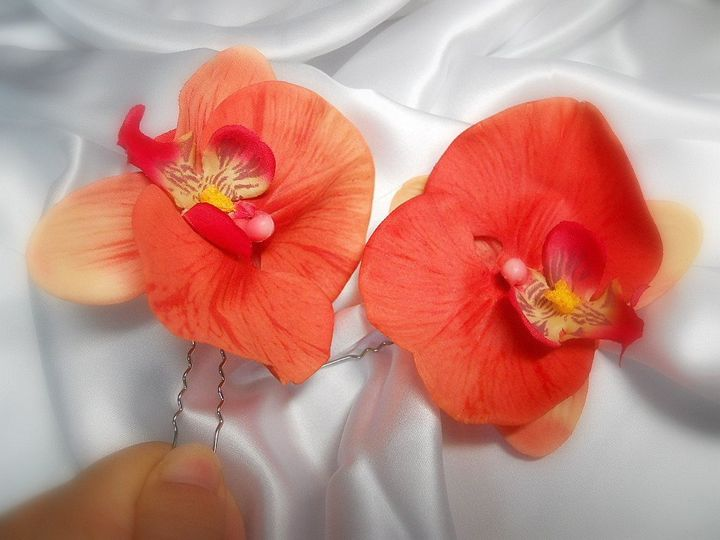 Be an Exotic Beauty! Wear Silk Orchids in your hair. Flowers are attached to hair pins to position...