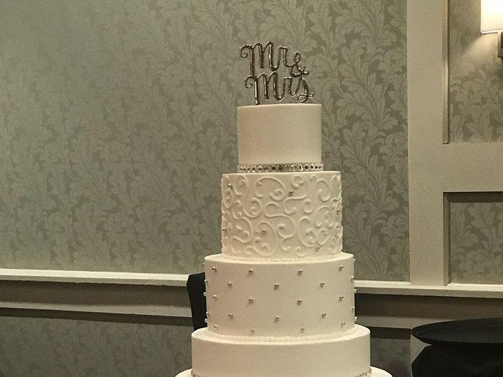 Tmx 1537541345 38bd6d5ab484508d 1537541342 04b3c223ebadbec9 1537541324591 8 2018 08 04 15.50.3 Harrisburg, Pennsylvania wedding cake