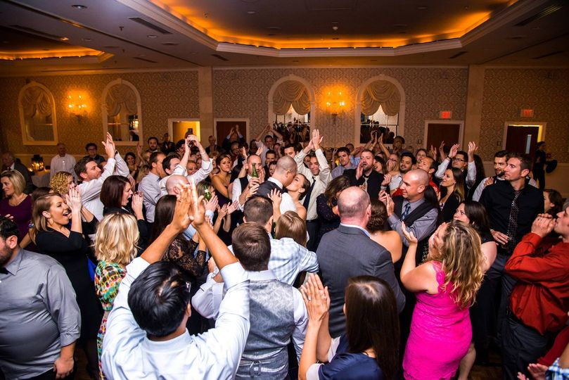 Crowd dancing at wedding with DJ Terry O